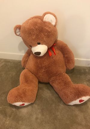 BIG gift teddy bear for Sale in Fort Belvoir, VA