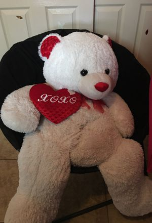 Giant teddy bear for Sale in El Paso, TX