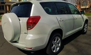 Oil changed 2006 TOYOTA RAV4 Clean good for Sale in Pittsburgh, PA