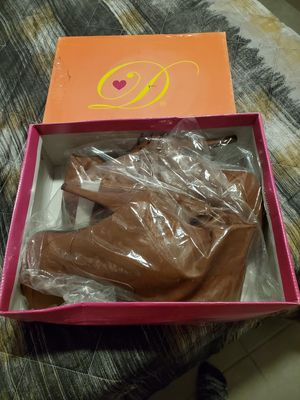 High heel boots for Sale in Kissimmee, FL