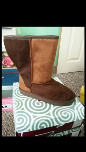 Women's fashion bug boots size 8 new for Sale in Philadelphia, PA