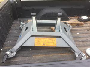 B&W 5th wheel base for Sale in Arp, TX
