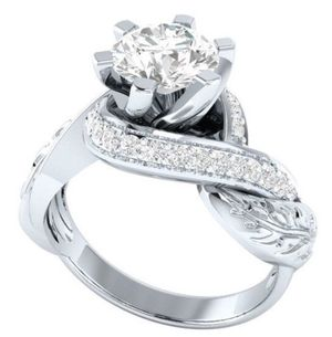WOMENS WEDDING RING for Sale in Wenatchee, WA