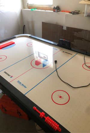 Air hockey table for Sale in Hanover, MD