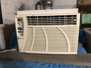 Maytag AC window unit for Sale in Glenview, IL