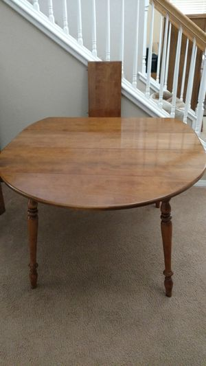 Maple dining table for Sale in Santa Maria, CA