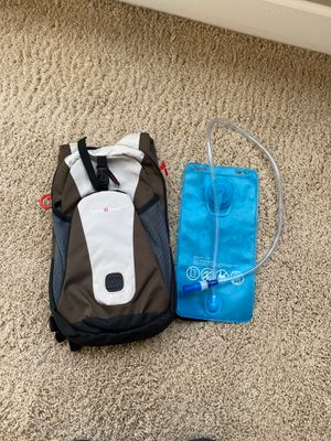 Swiss Gear camelback running backpack 2L. New, never used for Sale in Portland, OR