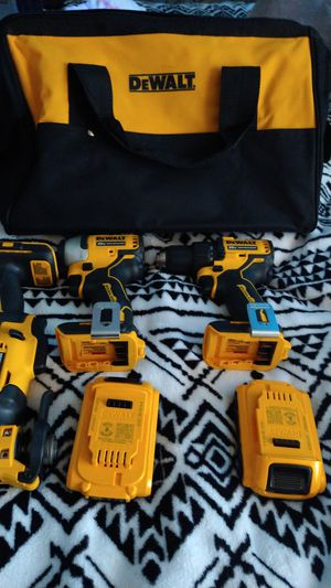 Drill driver and impact driver battery combo kit with bag for Sale in San Diego, CA