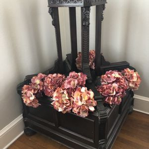Vintage Flower Stand for Sale in Cutchogue, NY
