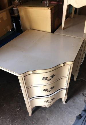 Bed room set. 2 Dressers with mirror, night stand, two twin bed frames for Sale in South Euclid, OH