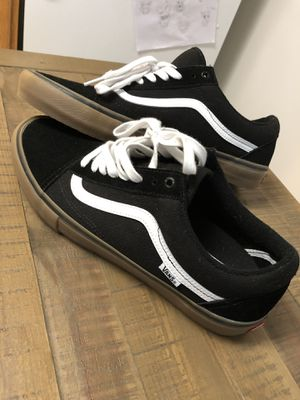 Vans Old Skool (black/white) for Sale in Saratoga Springs, NY