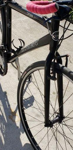 Trek Road Bike 700x32c for Sale in Garden Grove,  CA
