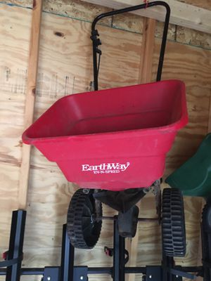 Seed spreader for Sale in Mendota Heights, MN