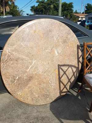 Marble top round dining table for Sale in Dania Beach, FL