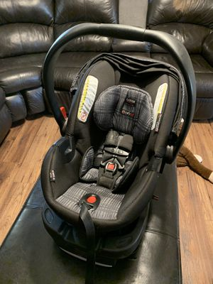 Britax B Safe Infant car seat for Sale in Apple Valley, CA