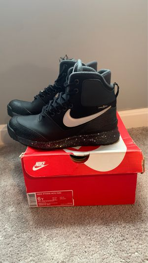 Nike ACG Waterproof Work Boots Size 6Y for Sale in Camp Springs, MD