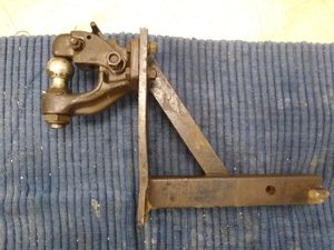 Curt ball and pintle combination hitch for Sale in Lexington, KY