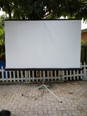 Diplomat projection screen 8ft wide 6ft high $220 for Sale in West Palm Beach, FL