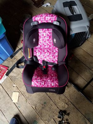 pink and black car seat for Sale in Mount Hope, WV