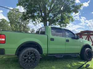 05 f150 king ranch fully loaded with 33/12.5/20 toyo open country tires about a year old. Truck has 195000, motor has just over 90,000 . Runs good ne for Sale in Henderson, NC