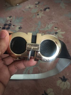 Ferragamo black and white reversible belt size 34-36 used for Sale in Altadena, CA