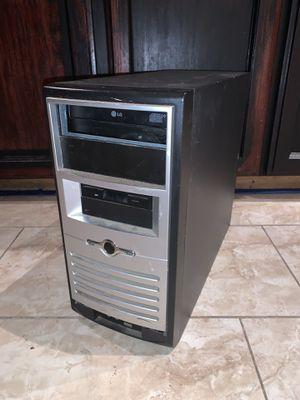Desktop computer (Doesn't work) for Sale in Fresno, CA