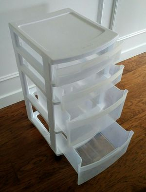 Sterlite 4-drawer Plastic Storage Case with caster wheels for Sale in Orting, WA