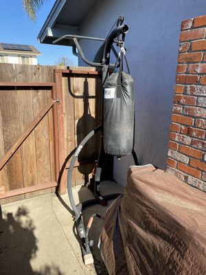 Punching bag stand w/pull up bar+50lb bag for Sale in Vallejo, CA
