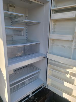 Kenmore refrigerator for Sale in Bakersfield, CA