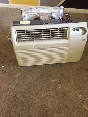 Need gone used heat and ac stander window unit for Sale in Washington, DC