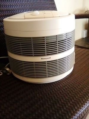 Honeywell air purifier for Sale in Santa Ana, CA