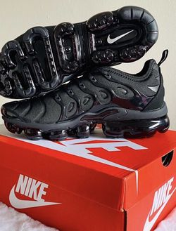 Nike Air VaporMax Plus for Sale in Montebello,  CA