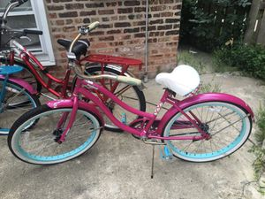 """Huffy cruiser Girls or Women's bike 24"""" tires for Sale in Chicago, IL"""