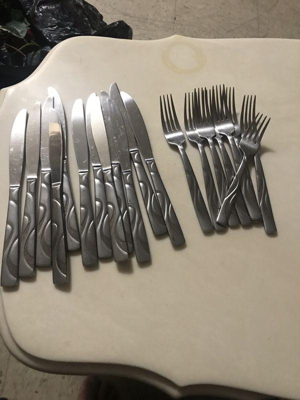 Tenedores y cuchillos