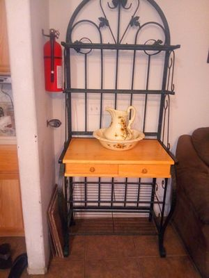 Beautiful Baker's rack for Sale in Victorville, CA