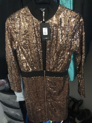 Chloe sequin dress small/ fashion nova for Sale in Lakewood, CA