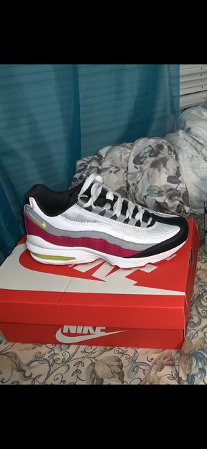 Size 6 big kids Nike airmax for Sale in Milwaukee, WI