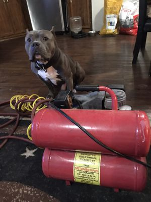 Air compressor with two hoses for Sale in Abilene, TX