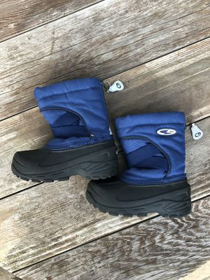 Thermolite kids boys snow boots size 8 for Sale in McHenry, IL