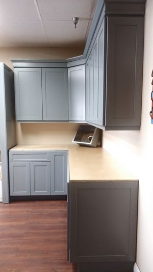 Grey shaker solid wood kitchen cabinets for Sale in Los Angeles, CA