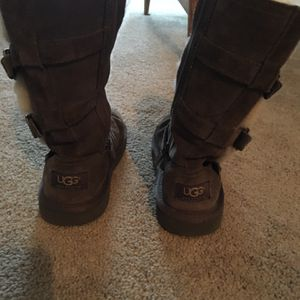 Uggs Girls Size 2, Barely Worn for Sale in Suffolk, VA