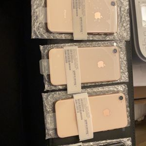 Iphone 8 64 GB Brand New Unlocked A+ Condition for Sale in Queens, NY