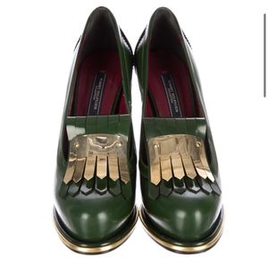 Size 7 NEW Hilfiger Runway Collection Fall 2018 Kiltie Leather Pumps for Sale in Dallas, TX