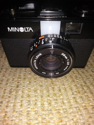 Minolta 35 mm film camera with small case for Sale in Penn, PA