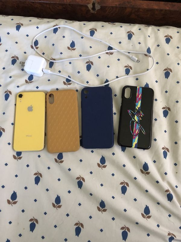 iPhone XR w/ Lots Of Accessories