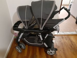 Graco double stroller for Sale in The Bronx, NY