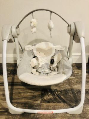 Ingenuity portable infant swing for Sale in Haines City, FL