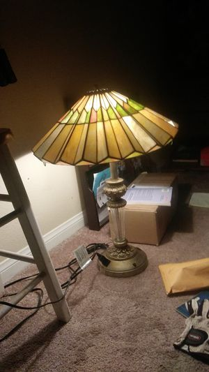 Antique lamp great condition works i dropped it to 100 for Sale in Hesperia, CA