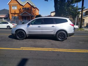 2010 CHEVY TRAVERSE for Sale in Los Angeles, CA