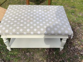 Cute Fabric Top Sturdy Coffee Table for Sale in Tigard,  OR